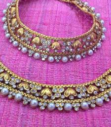 Buy Romantic pearl polki payal with charming golden hearts to oozing with romance payal anklet sh52w anklet online
