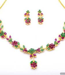 Buy LILY NECKLACE SET WITH EARRINGS (RUBY EMRALD) - PCN1061 Necklace online