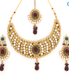 Buy Attractive diamonds necklace jewelry Necklace online