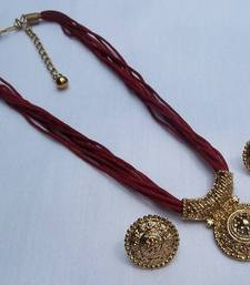 Buy Maroon thread manglasutra necklace set Necklace online