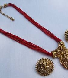 Buy Red thread manglasutra necklace set Necklace online