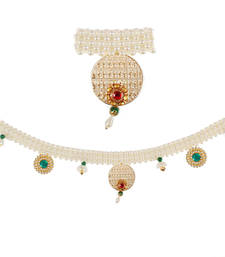 Buy Torans / Door Hanging/ Bandhanwar in Pearls,bells, Red Green brooch wall-art online