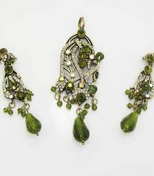 Buy Victorian Designer Pendant Set Vibrant Green Necklace online