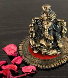 Buy Metal Pagdi Lord Ganesha on Round Base congratulation-gift online