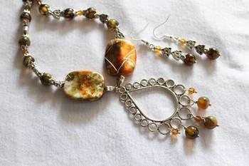 Green and Orange Necklace Set
