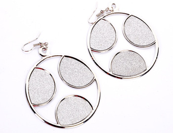 Fashionable Round Earring