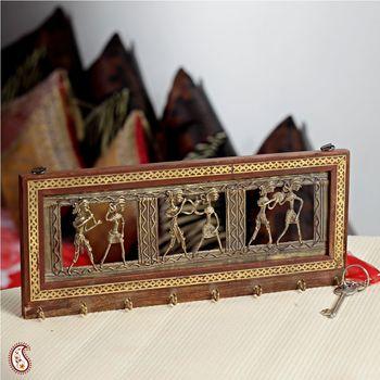 Tribal motif eight key holder
