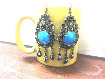 Glamourous earrings