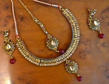 Antique Gold set with Maang Tikka