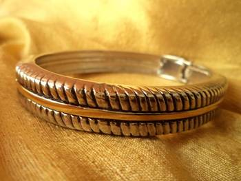 Elegant Bracelet -Aliff Lailaa-080133