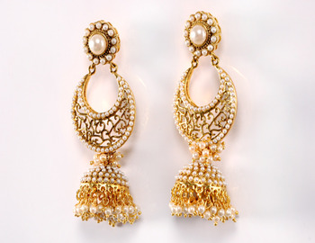 Golden Pearl Kadi Dull Earring