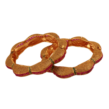 Pride Gold plated antique bangle