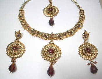 Traditional necklace 4