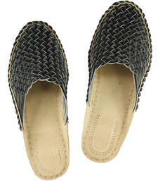 Buy eKolhapuri Attractive Looking Black Half Bantu Kolhapuri Chappal for Women footwear online