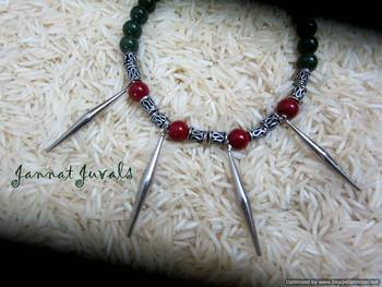Green & red neckpiece with spikes