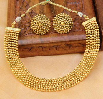 Gorgeous gold plated plain necklace set