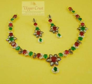 Flower power Necklace Set