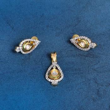Attractive AD Diamond Pendant Set