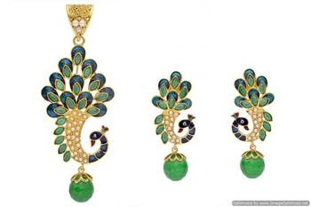ANTIQUE GOLDEN STONE STUDDED MEENA WORK PEACOCK STYLE LOCKET/PENDANT SET (GREEN)  - PCPS7015