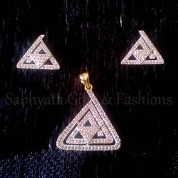 Triangle Shape Pendant Set