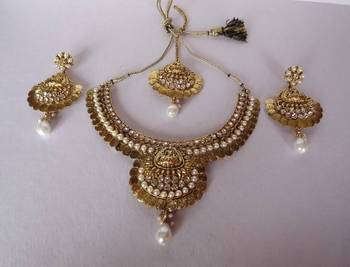 Temple Style Necklace with Matching Earrings and Maang Tikka