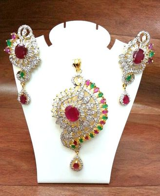 Craftstages Ruby Emerald & Braquets P set