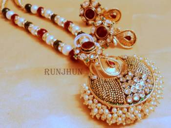 meena and pearl broad necklace