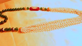 green and rubu pearls and side brooch mala