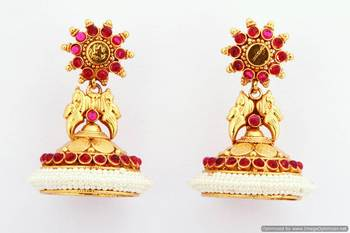Fashionable Earring Collection 11