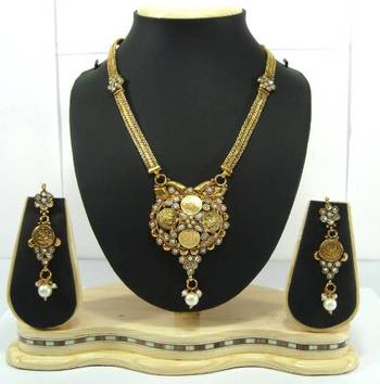 Temple jewellery pearl bridal necklace earring set  p47