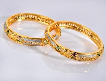 Traditional Golden Dailywear Bangle