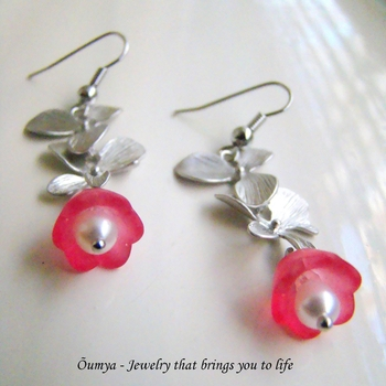 Dangling Flower Earrings