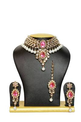 Stunning Close Neck Kundan Necklace Set in Pink with Pearls