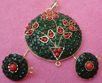 Green takkar work pendent with earrings