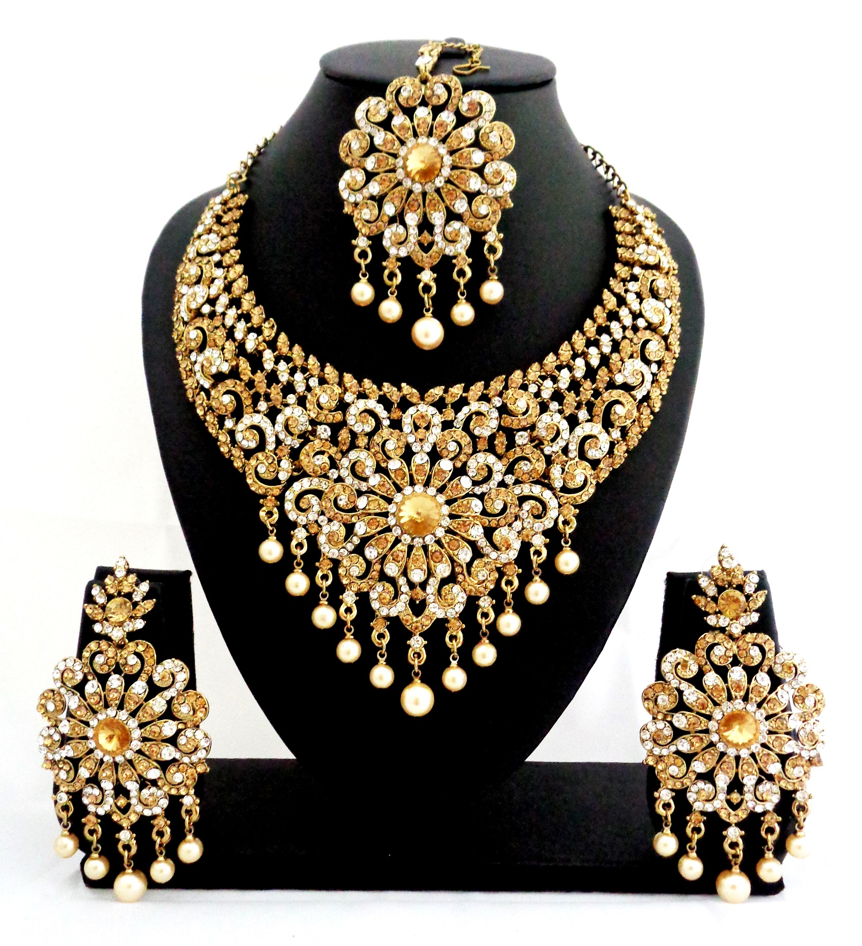 Buy Bridal Diamond Necklace Set with Maang Tikka line
