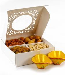 Buy Assorted dryfruit with two earthen diyas diwali-dry-fruit online