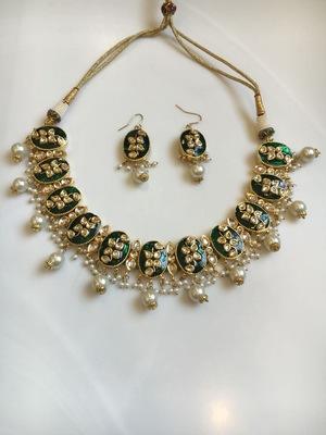 green meena choker