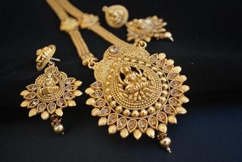 Temple jewellery with goddess laxmi necklace set