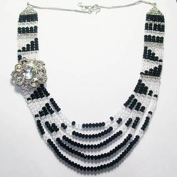 Crystal Broche Set  (Black White)