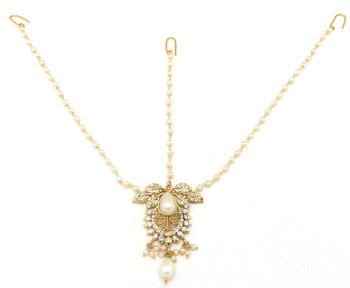 Butterfly Maang Tikka Matha Patti Decorated with Crystal & Pearl