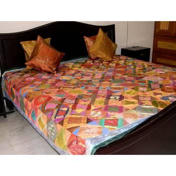 Brocade Square Pattern Bed Set- Green Border