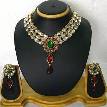 Choker Style Red and Green Kundan Necklace Set