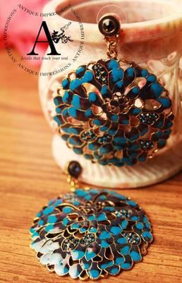 Dark Blue Crystals Round Shape Taco Shell Earrings, Golden Lining BLue Gemstone Studded