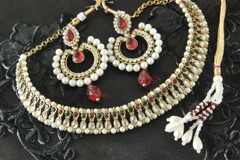 Kundan Maroon Green Necklace with Dangling Red Colour Earrings