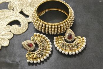 New Ram Leela Maroon & Green Colour Earrings with Gold Plated Pearl Kada