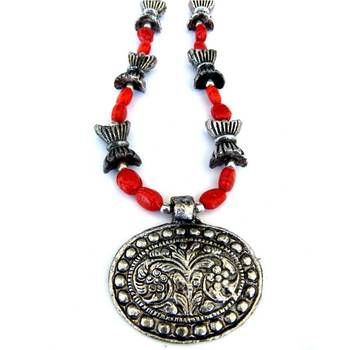 Flower Pendant necklace: Red/010Red