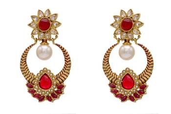 ANTIQUE GOLDEN STONE STUDDED FLOWER STYLE CHAAND BAALI EARRINGS/HANGINGS (RED)  - PCAE2111