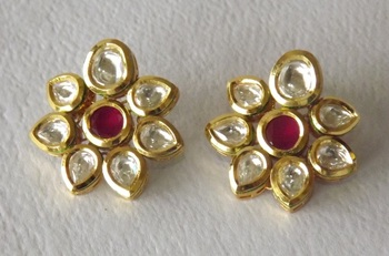 Kundan Flower Studs in Maroon and White