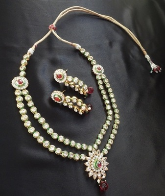 2 Layer Royal Kundan Pendant Necklace with Earrings