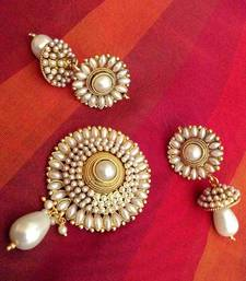 Buy Elegant glowing pearl flower pendant set India copper ethnic jewellery Pendant online